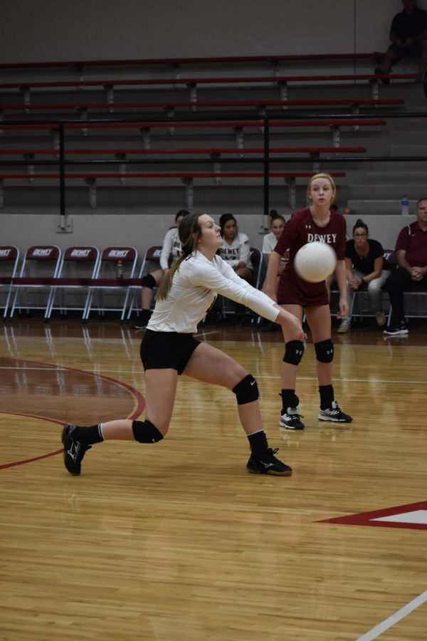 Lady Dogger Volleyball Falls to Sequoyah Eagles