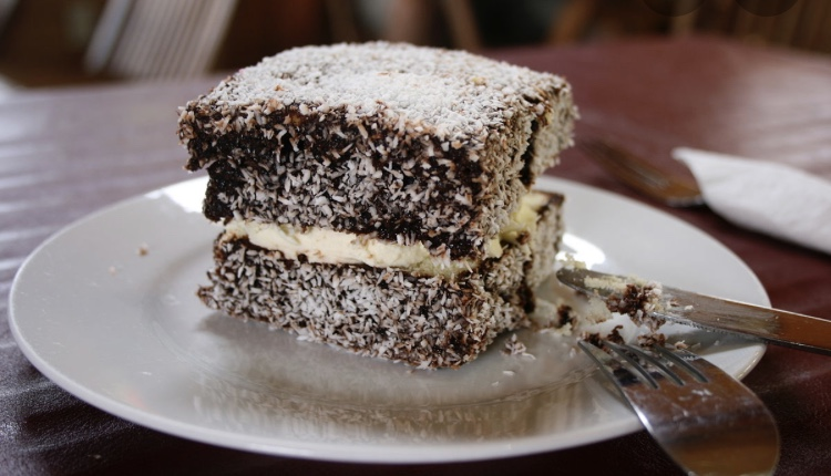 Women+dies+in+Australia+Day+Lamington+eating+contest